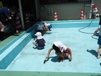 プール掃除3.JPG